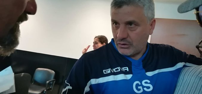 "SQUILLANTE SHOW IN CONFERENZA STAMPA RIDICOLIZZA GUARRACINO: ""NON HO MAI PENSATO DI PERDERLA QUESTA PARTITA"" – (VIDEO)"