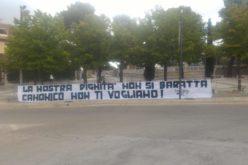 FALLIMENTO BARI: CANONICO STIZZITO DA STRISCIONE SOTTO CASA