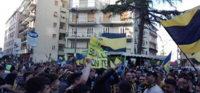 LA FESTA DELLA JUVE STABIA,CASTELLAMMARE E' IMPAZZITA/VIDEO
