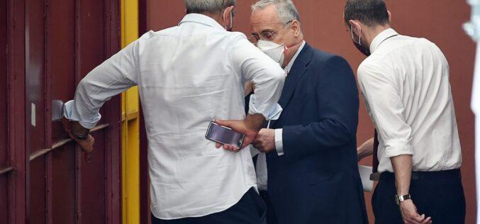 SALERNO,I TIFOSI IN PIAZZA MONTA LA PROTESTA,OGGI SUMMIT A ROMA PER L'ALLENATORE